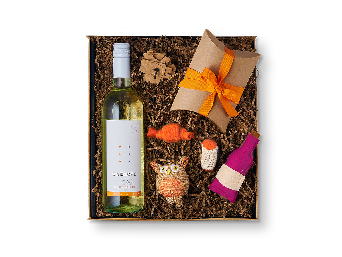 Pinot For Paws Meow! Gift Box Pinot Grigio