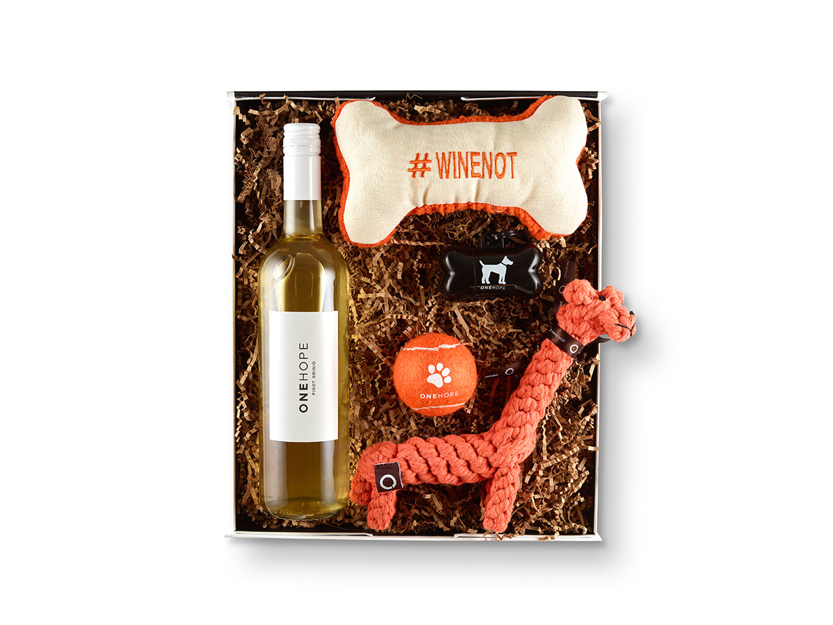 Pinot For Paws Woof! Gift Box Pinot Noir
