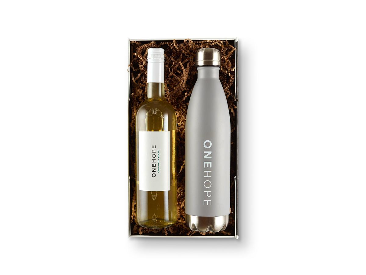 Wine Hydrate Gift Box Gold Water Bottle Pinot Noir